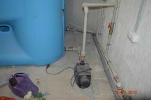 Резервуар с насосом